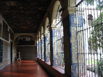 サン・フランシスコ教会の美しい回廊