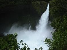 アルゼンチンとの国境近く・ネチュルメの滝